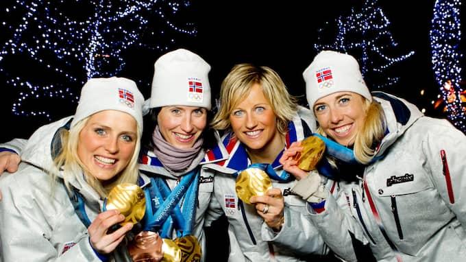 OLYMPISK MÄSTARINNA. Vibeke Skofterud vann OS-guld i stafett 2010 tillsammans med Therese Johaug, Marit Björgen och Kristin Störmer Steira. Foto: JUNGE, HEIKO / SCANPIX SPORT SCANPIX