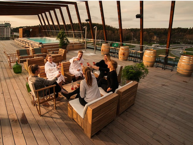 Läckra takterrassen på The Winey Hotel vid Friends Arena i Solna.