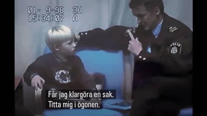 Här frågas femårige Robin ut i förhör med polisen. Foto: SVT/Dokument inifrån