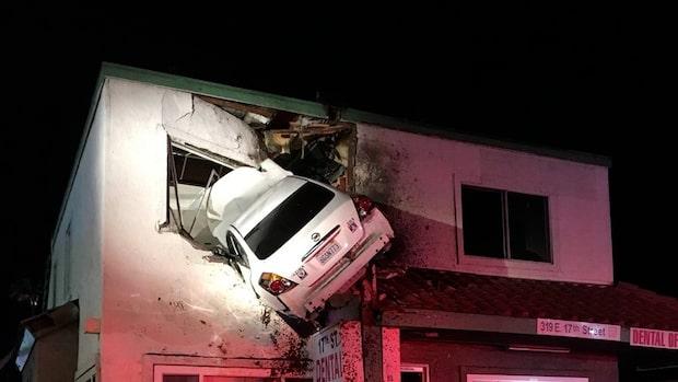 Bilen kraschade in i huset – på andra våningen