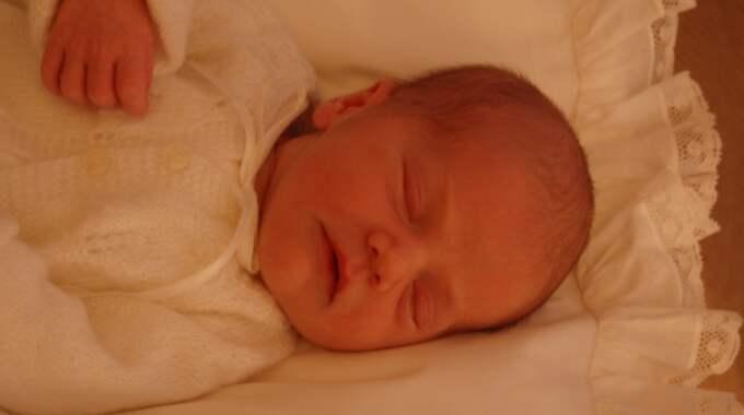 Första bilden på Estelle togs av pappa Daniel. Foto: Prins Daniel