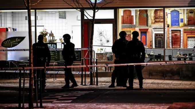 En tredje man, även han i 25-årsåldern, skottskadades i armbågen i samband med att bröderna mördades. Foto: Alex Ljungdahl