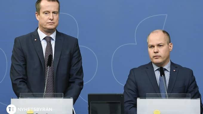 OKLAR LINJE. Regeringen sänder dubbla signaler i flyktingpolitiken. Foto: JONAS EKSTRÖMER/TT