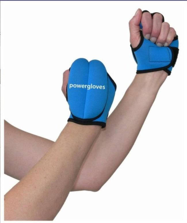 <strong>Powergloves/viktmanschetter</strong><br>Handsken innehåller vikter och gör att du får mer effekt av stavgången. Manschetterna sätts runt vristerna och gör att du bygger muskler och förbränner fler kalorier.