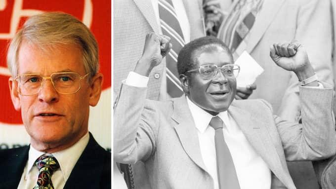 """""""Sverige och Zimbabwe allmänt står nära varandra"""", sa statsminister Ingvar Carlsson när han träffade Robert Mugabe 1989. Foto: OLLE SPORRONG & BUTHAUD GERALD/ANDBZ/ABACA STELLA PICTURES"""