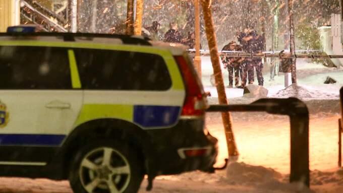 Två tonårspojkar fördes till sjukhus med skottskador. Foto: Janne Åkesson/Swepix