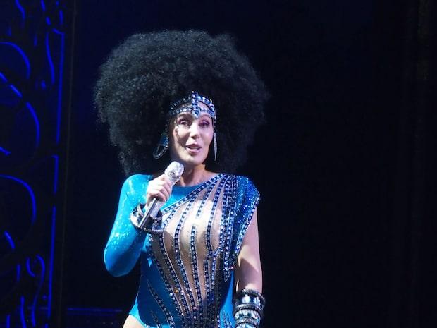 Cher visar nya superkroppen