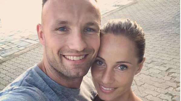 Mikkel Kessler och fästmön Lea Hvidt. Foto: Instagram.