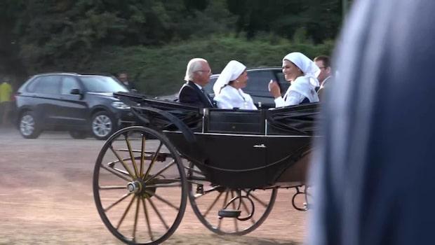 Här anländer kungafamiljen till Borgholms IP