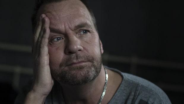 Glenn, 47, hörde misstänkte mördaren i trappuppgången