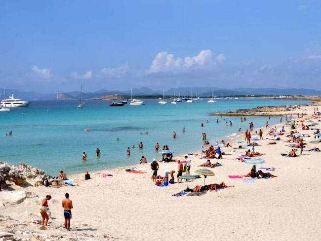 Magiskt. Den finkorniga sanden och strandpromenaderna gör Formentera populär.