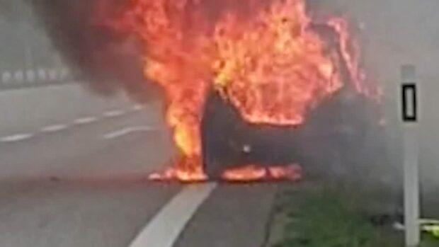Bilen brann upp på E6 – Håkan flydde för livet