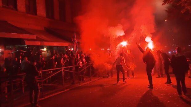 Här tänder fansen bengaler på Malmös gator