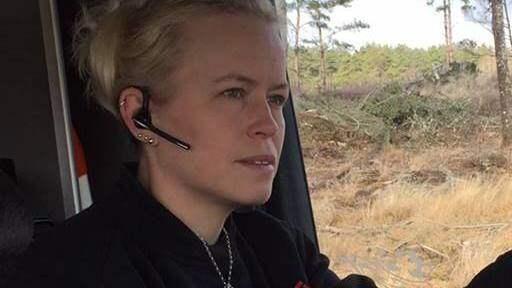 """""""Bärgning, maskiner och gamla lastbilar, det är ju vårt liv"""", säger Sandra Johansson. Foto: Privat"""