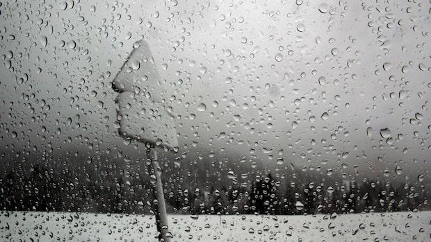 Snö, blötsnö och regn över Sverige
