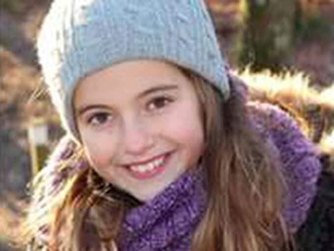 Nioåriga Alva ville se en förändring – så hon skickade ett handskrivet brev till riksdagen. Foto: PRIVAT