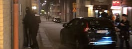 Stor polisinsats – maskerade män kontrolleras av polisen