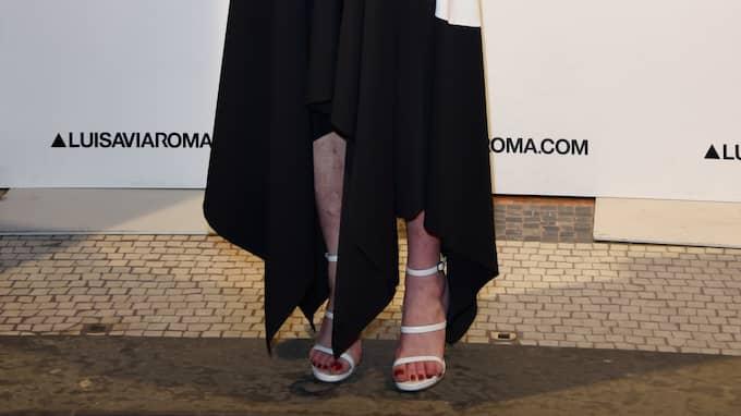 På en röda mattan-tillställning i Italien syntes stora blåmärken och sår på skådespelerskans ben. Foto: Stefania D'Alessandro / GETTY IMAGES FOR LUISAVIAROMA GETTY IMAGES EUROPE