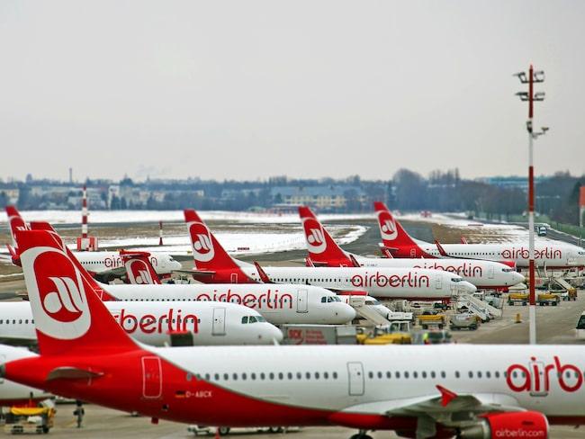 250 piloter på det krisdrabbade flygbolaget Air Berlin sjukanmälde sig med kort varsel under tisdagen.