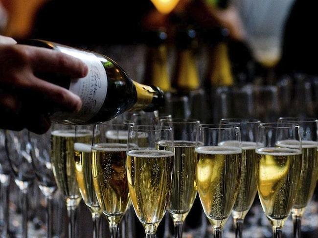 Champagne anses av många som världens förnämsta dryck.