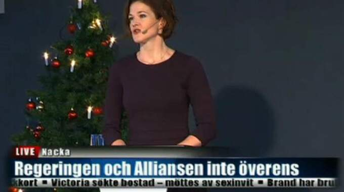 Anna Kinberg Batra håller jultal på YBC-gymnasiet i Nacka – sin egen hemkommun.