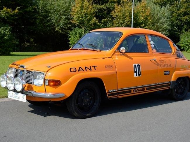 Närmare en halv miljon kronor. Så mycket vill säljaren ha för den här rallybyggda Saab 96 V4 från 1974, i perfekt skick.