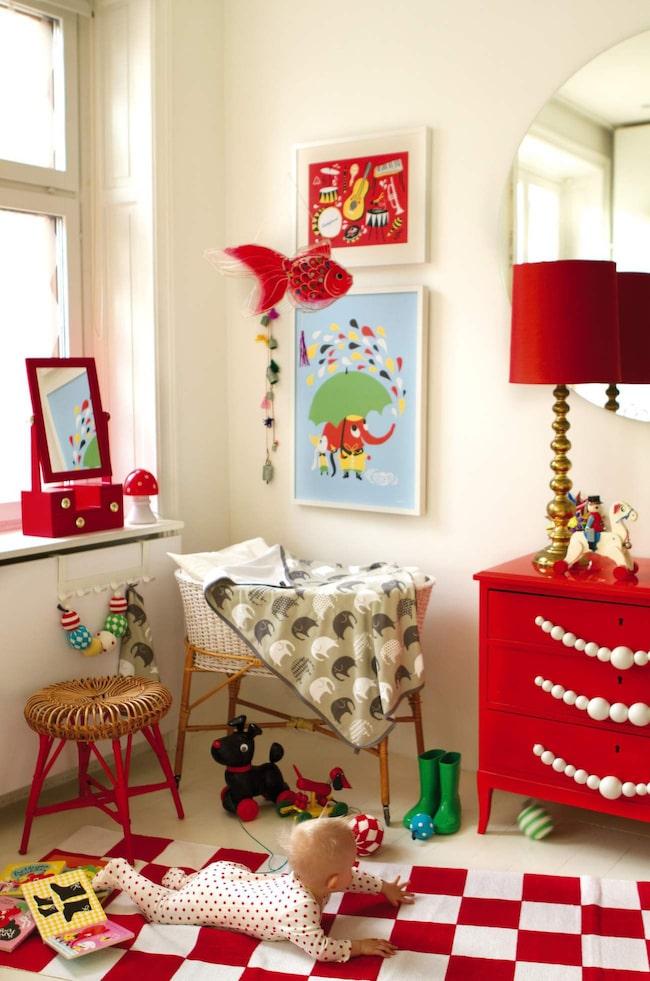 <span>Färg och retro till barnkammaren. Härliga textilier och posters med mönster av illustratören och formgivaren Camilla Lundsten. Allt från svenska Littlephant.</span>