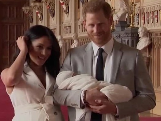 Meghan och prins Harry visar upp sin son