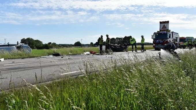 Två män dog i kollisionen och ytterligare två personer skadades. Foto: Jan Emanuelsson/TOPNEWS.SE