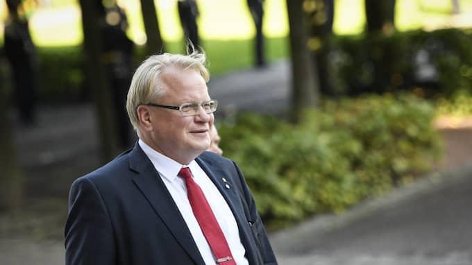 Försvarsministern hotas av en misstroendeförklaring i riksdagen Foto: PONTUS LUNDAHL/TT / TT NYHETSBYRÅN