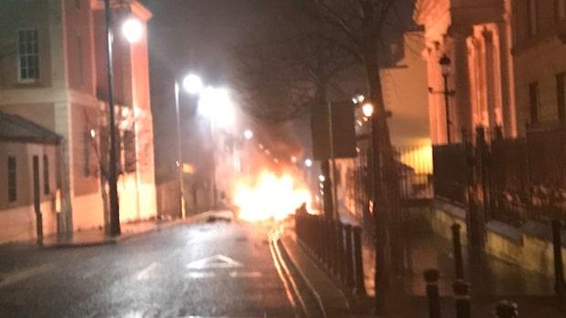 Misstänkt bilbomb har exploderat på Nordirland