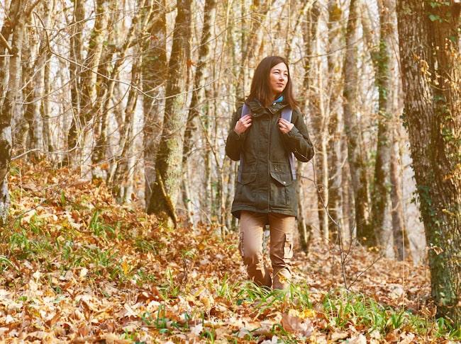 Kallare luft och prasslande löv behöver inte vara ett hinder för att komma i gång med träningen. Tvärt om behöver vi se till att ta hand om våra kroppar för att hålla oss pigga när mörkret faller på.