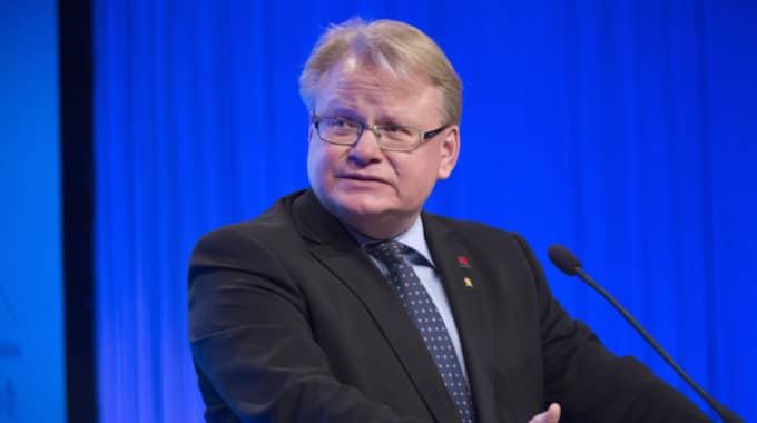 Svenska Dagbladet avslöjade under tisdagen att Peter Hultqvist hyr en lägenhet av Militärhögskolans bostadsstiftelse. Foto: Sven Lindwall