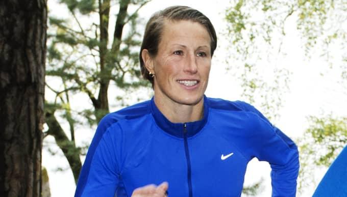 Malin Ewerlöf, 44, kom trea i Lidingöloppet i fjol och ska försöka ta en pallplats i år också. Hon har sprungit loppet 30 gånger eller så. Foto: Olle Sporrong