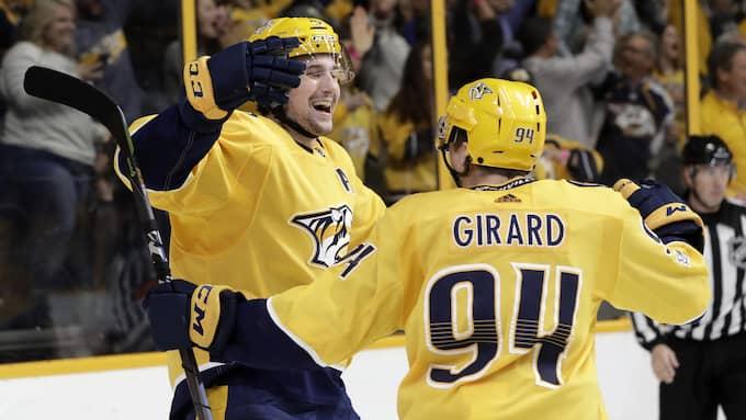 Filip Forsberg och Samuel Girard. Foto: MARK HUMPHREY / AP TT NYHETSBYRÅN
