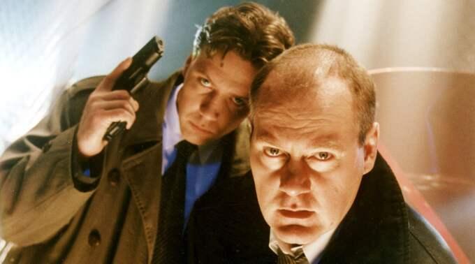 Mikael Persbrandt som Gunvald Larsson och Peter Haber som Martin Beck, från 1998. Foto: TV4