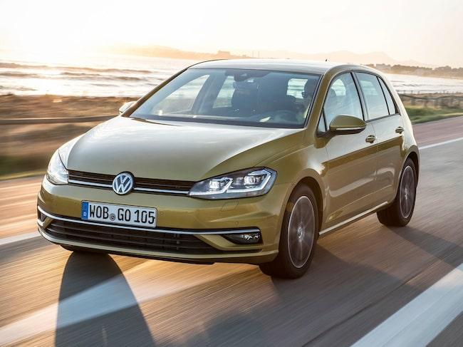 Volkswagen Golf petar ner Volvo S/V90 från försäljningstoppen.