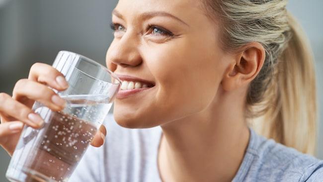 farligt att dricka för mycket vatten