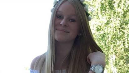 Emma Andersson simmade i familjens trädgård. Foto: PRIVAT