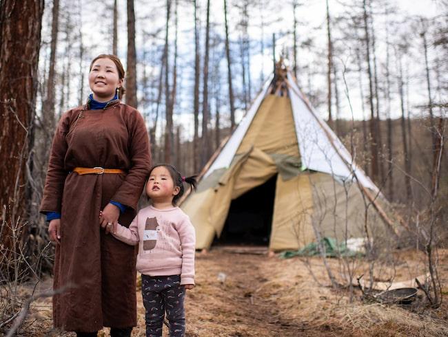 I Mongoliet kan resenärer träffa Zola och hennes barn Erksaran.