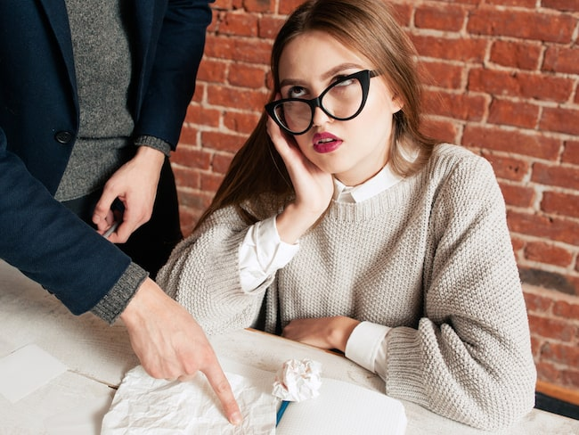 Hur du beter dig på jobbet spelar stor roll för din sömn, enligt en ny studie.