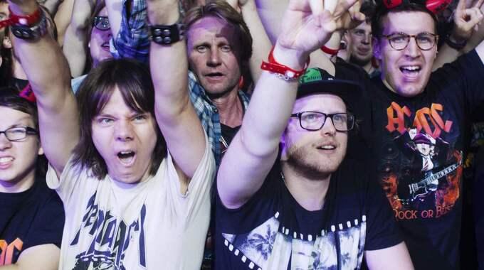 Publiken var laddad under konserten. Foto: Linnea Pettersson/Rockfoto