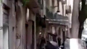 Här grips den misstänkte svensken – flydde ner från balkong