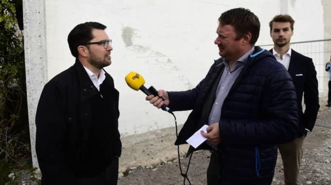 Expressens Niklas Svensson frågar ut SD-ledaren Jimmie Åkesson. Foto: Tomas LePrince/Expressen