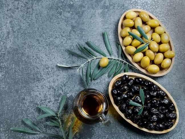 Svarta eller gröna oliver? Vilka är egentligen mest hälsosamma?