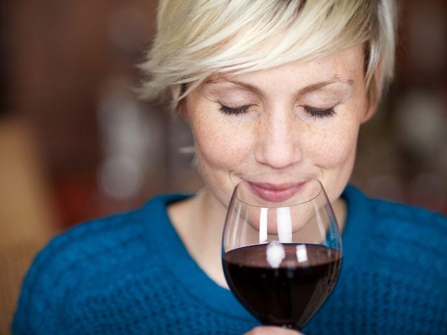 """Om du läser beskrivningar av viner i vintester hittar du rätt ofta små reservationer, som """"en aning"""", """"lite"""" och """"ganska""""."""