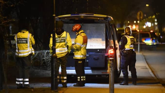 En person fördes till sjukhus efter en detonation på en balkong i Malmö. Foto: Andreas Holm