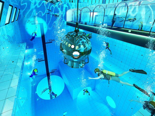 Fortsätt ner genom hålet och nå ett dykdjup på 45 meter.