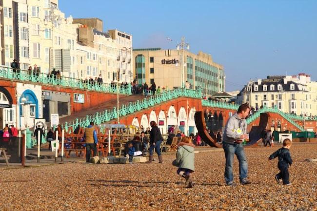 Alla trivs på Seafront, från småttingar med spring i benen till äldre damer med kappa och hatt.