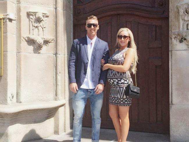 Mattias, 34, och Emilie, 33 bor i en lägenhet på 53 kvadratmeter i Malmö.